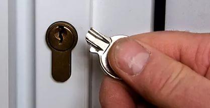сломался ключ? вытащим обломок и откроем дверь без повреждений! г. Братск